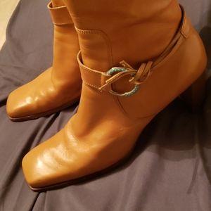Tan Antonio Melani Boots